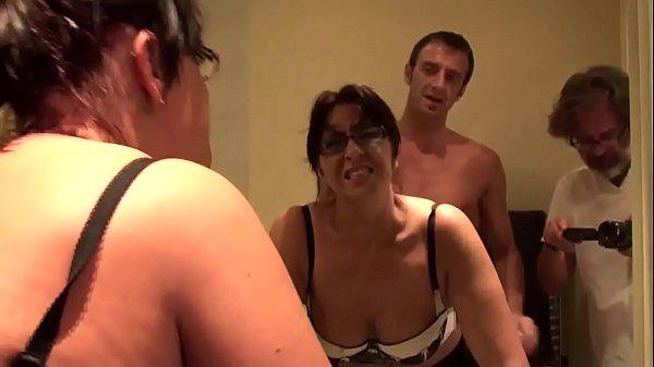 Coroa gostosa dando o cu pro macho