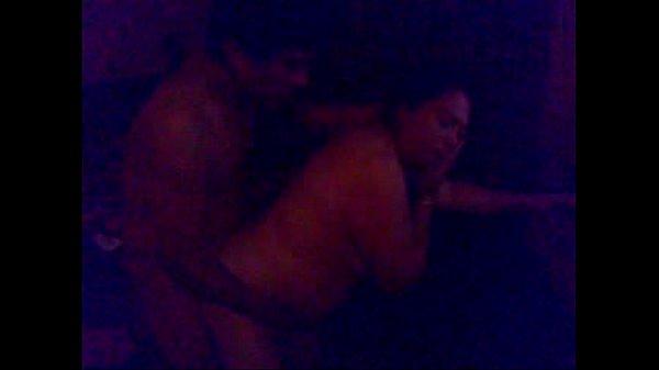 cornudo filma como se cogen a su esposa