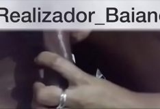 Whats App (71)9635-8941 – Realizador Baiano vídeo especial humilhando o corno que liberou a esposa pra sair com o comedor e amigos! Menage masculino e o corno querendo saber se a esposa estava sendo bem cuidada cuckold amador novinha de salvador